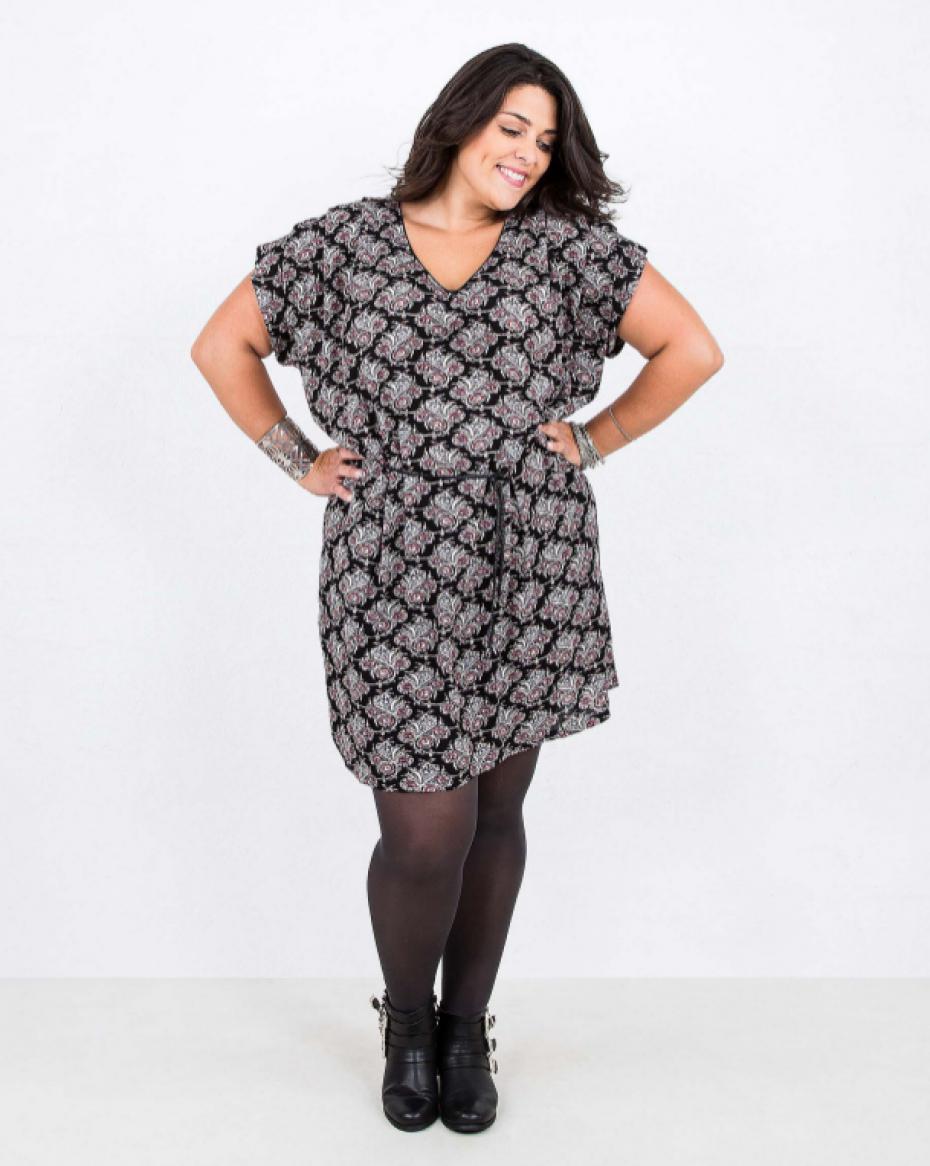 vetement grande taille les femmes rondes sont l 39 honneur dans les magasins de pr t porter. Black Bedroom Furniture Sets. Home Design Ideas